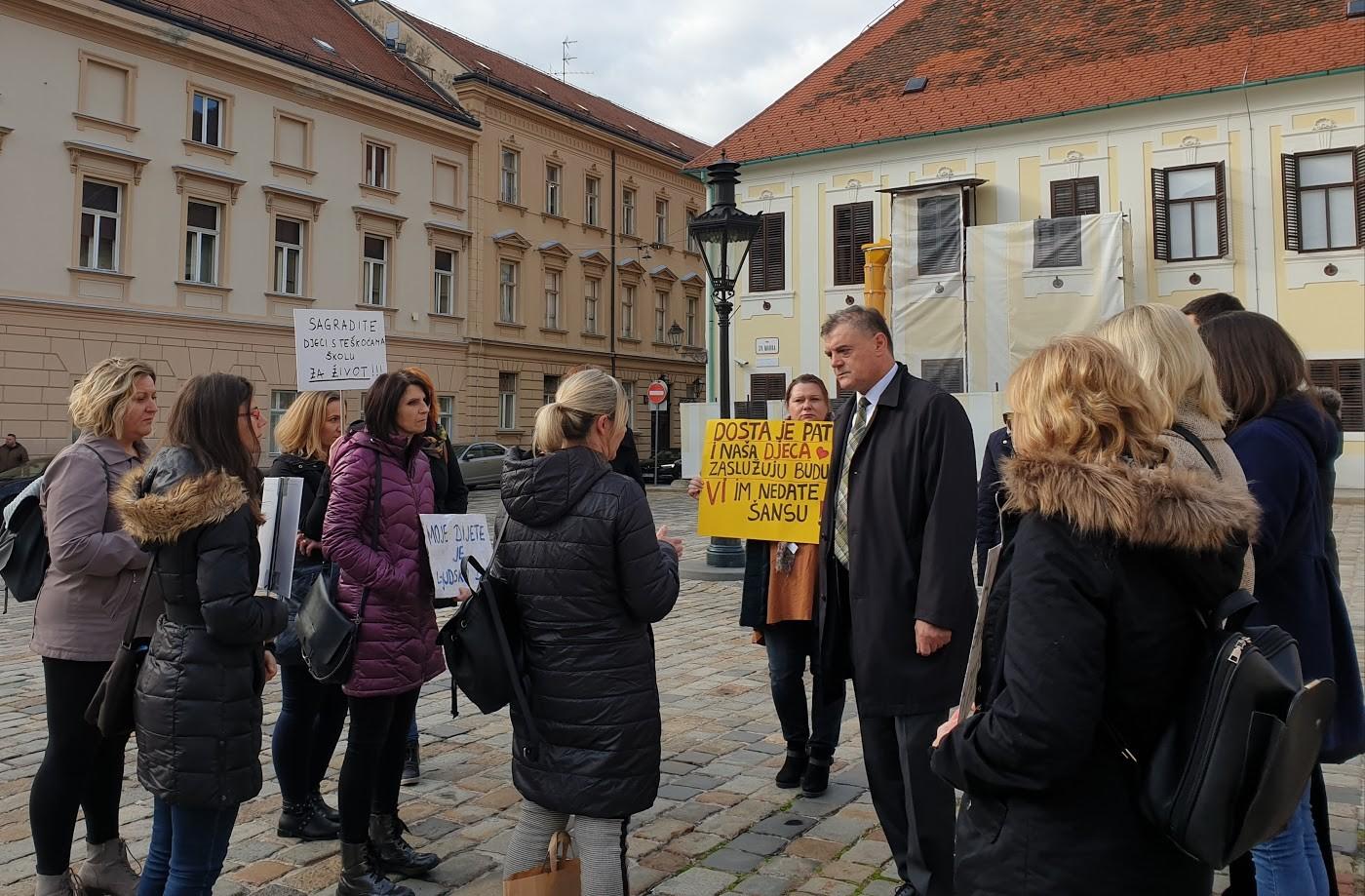 HSS | Davor Vlaović | Prosvjed roditelja djece OŠ Milan Amruš
