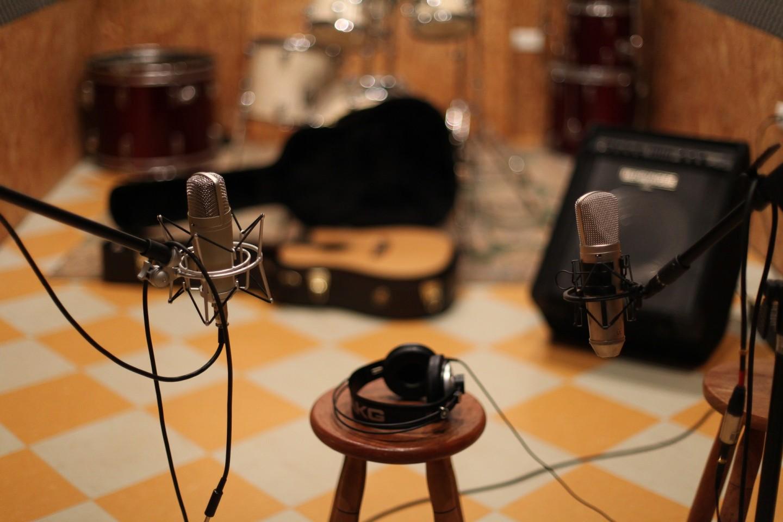 microphone-1003559_1920